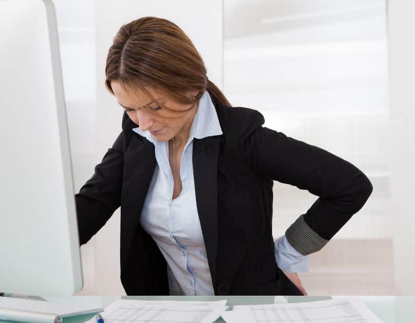 woman feeling hip pain