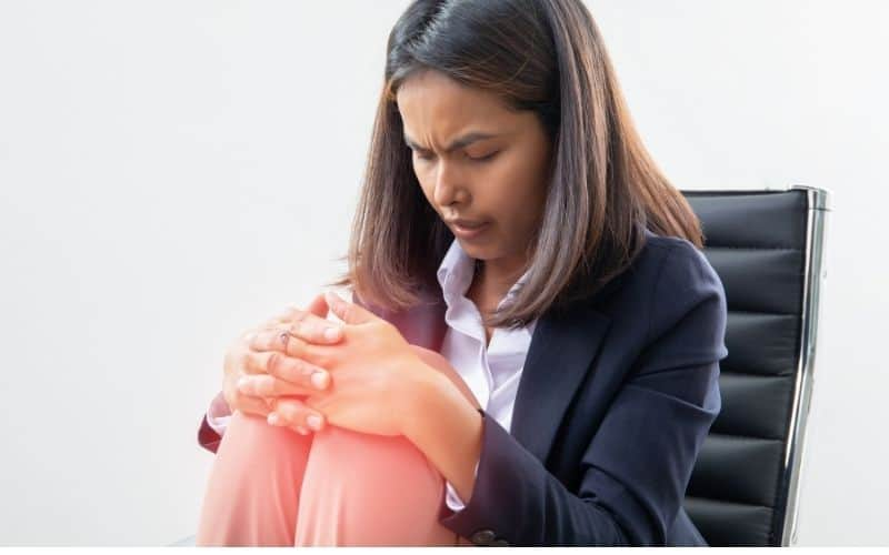 Office chair and knee pain