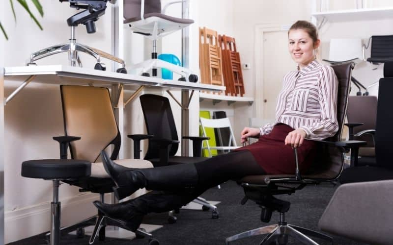 Test office chairs